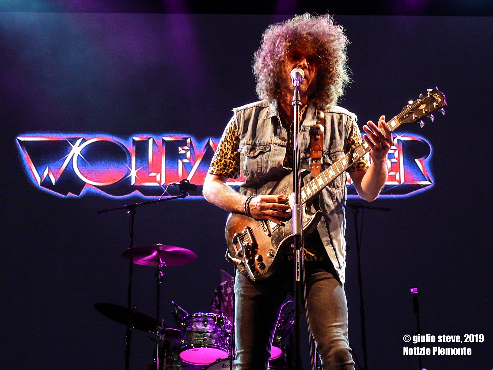 La photogallery dei Wolfmother + Electric Pyramid al GruVillage 105 Musical Festival